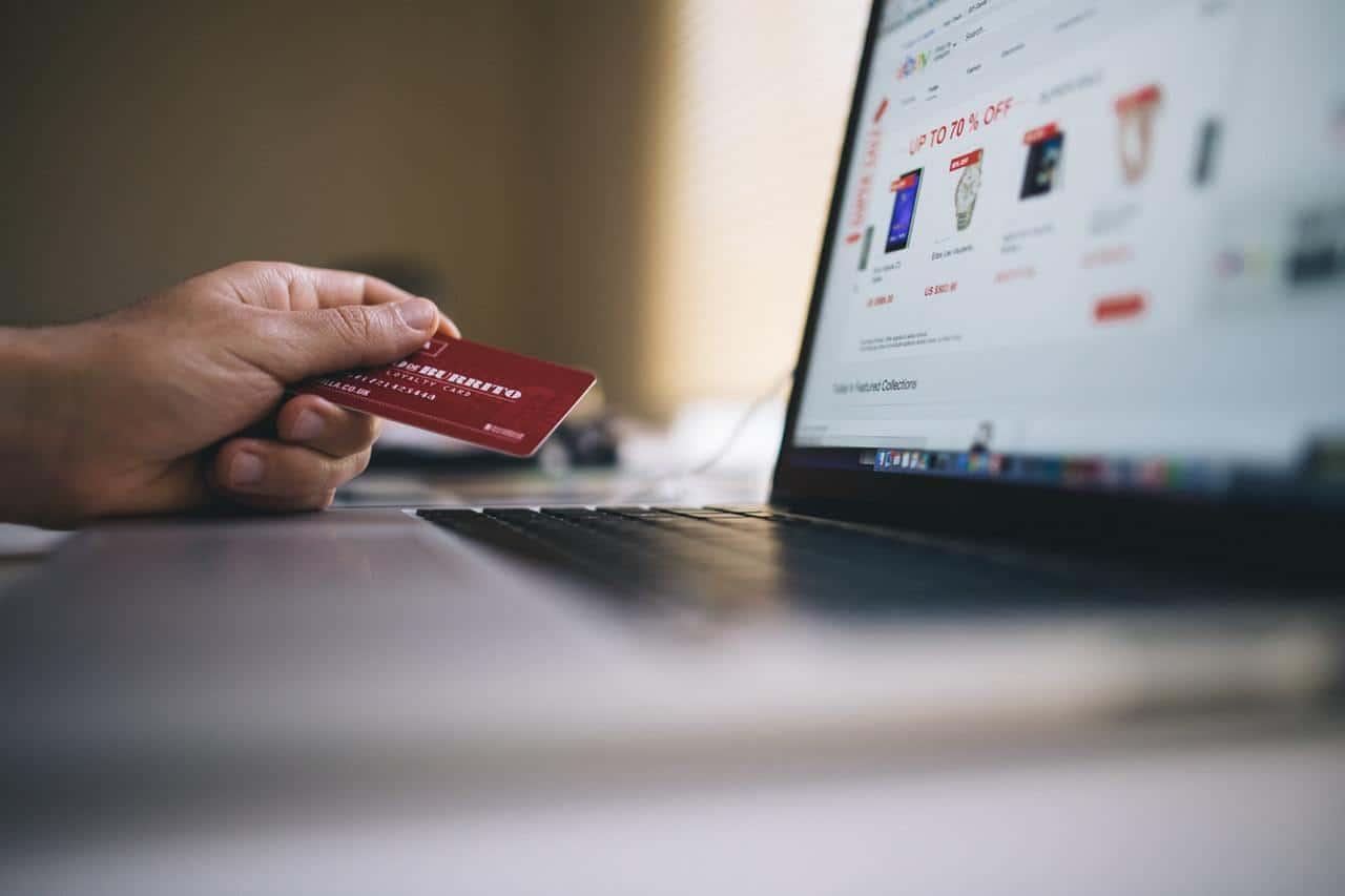 קנייה בכרטיס אשראי