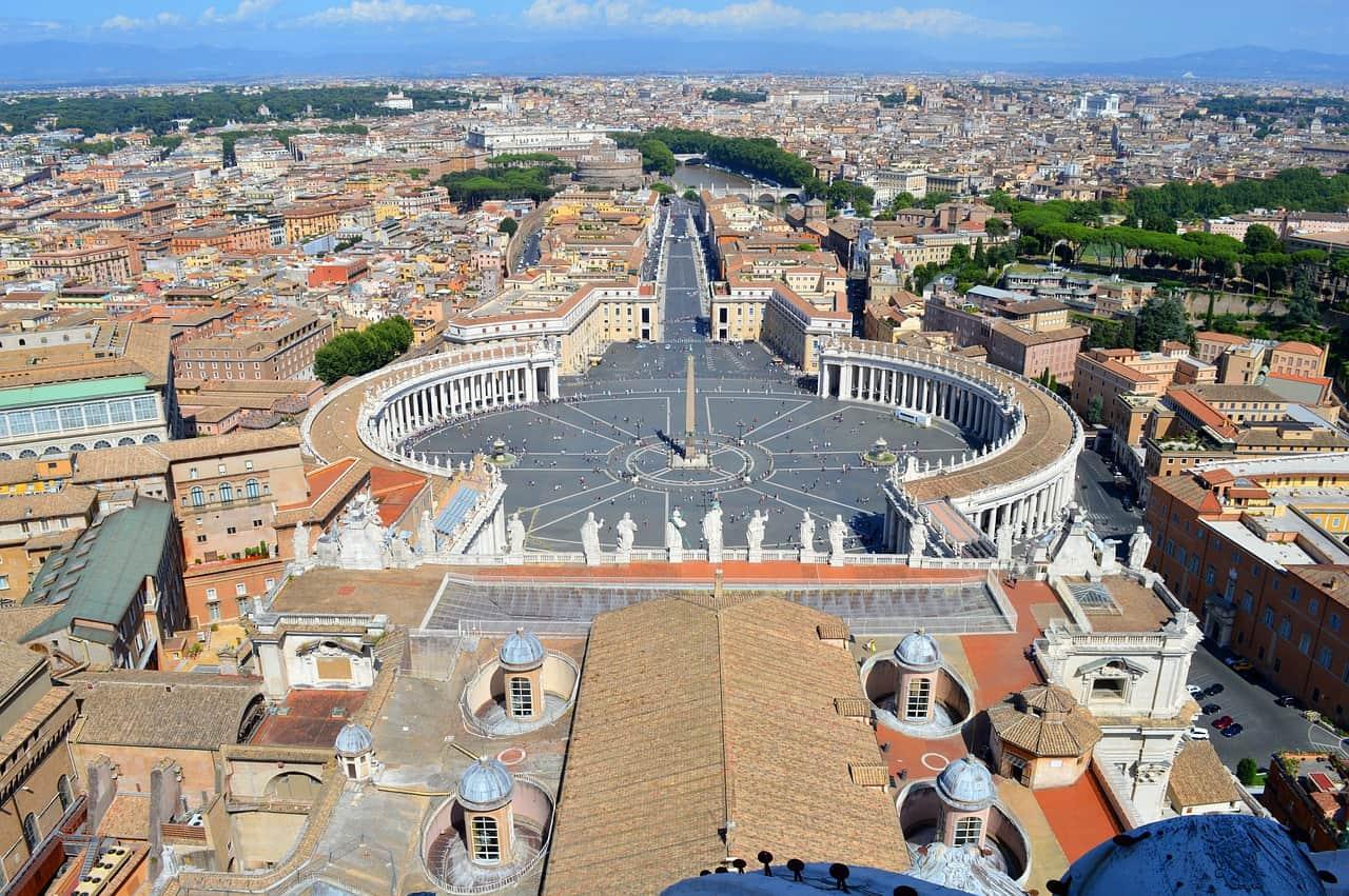 העיר רומא מלמעלה